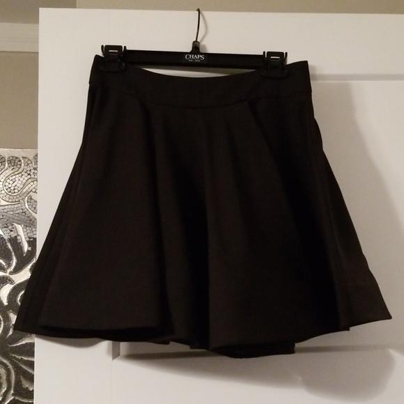 Dresses & Skirts - NWOT Party Skirt